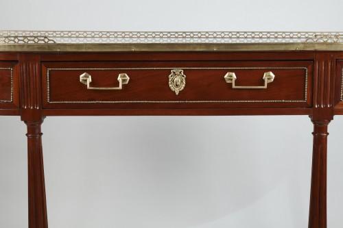 18th century - Demi lune Mahogany Console