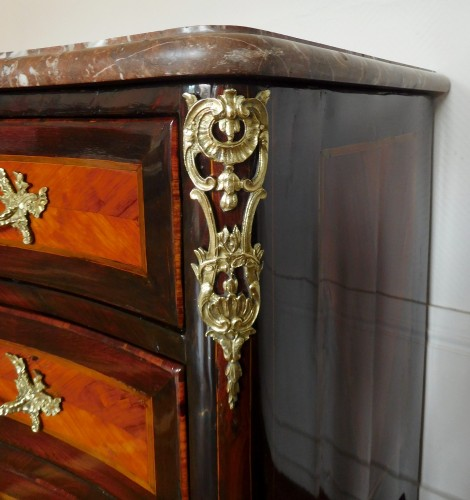 French commode (rosewood and violet)  circa 1740 - Louis XV