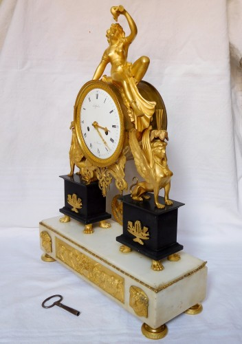 French late 18th century ormolu and marble clock - Clocks Style Directoire