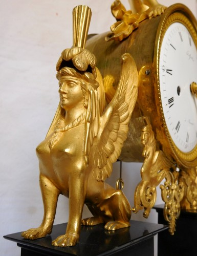 Directoire - French late 18th century ormolu and marble clock