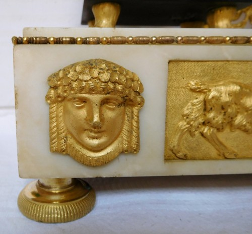 Antiquités - French late 18th century ormolu and marble clock