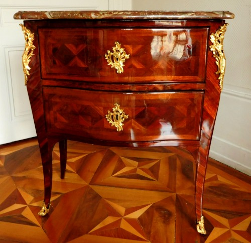 Small Louis XV Commode by François Garnier - Furniture Style Louis XV