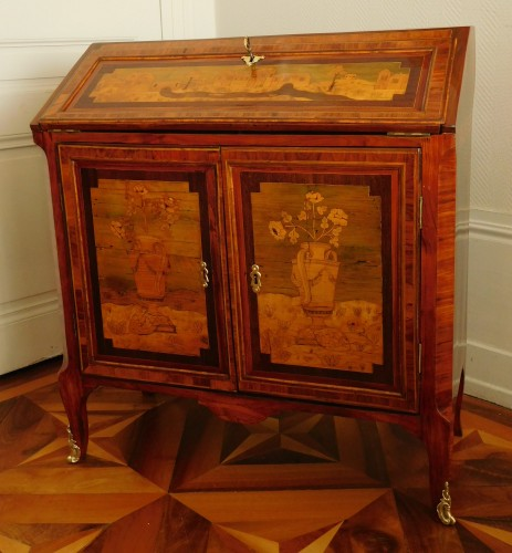 18th century Writing desk, stamped Topino - Furniture Style Transition
