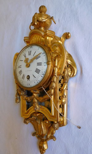 Ormolu bedroom cartel circa 1775 - Clocks Style Transition