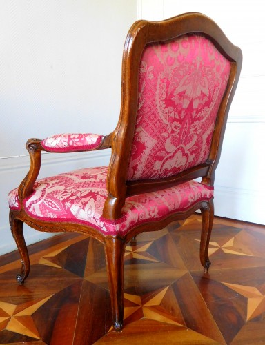 Fauteuil Louis XV estampillé Michel Cresson - Louis XV