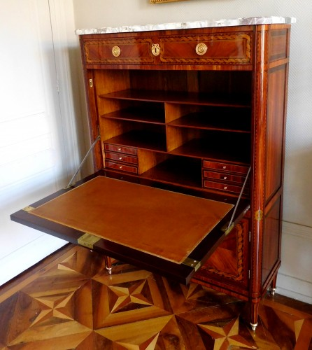 Secrétaire d'époque Louis XVI en marqueterie - Furniture Style Louis XVI