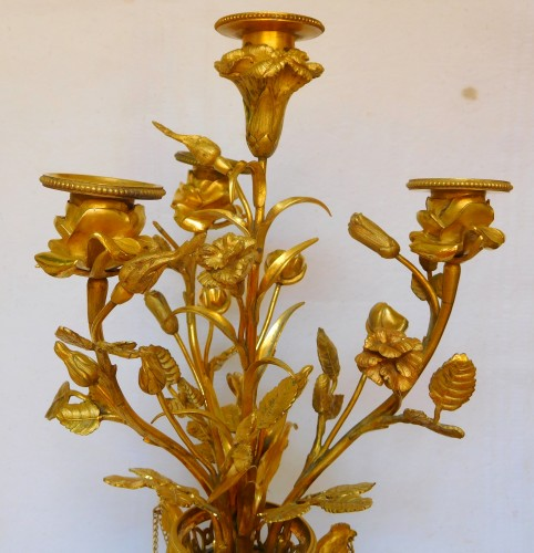 Antiquités - A Pair of Louis XVI ormolu and marble candelabra