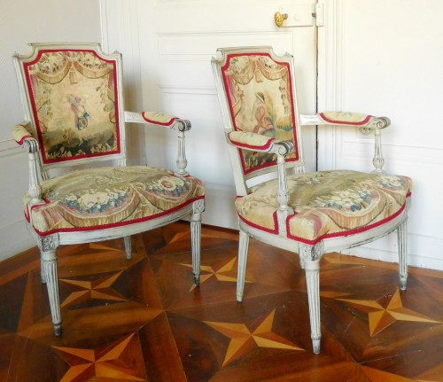 Seating  - Pair of Louis XVI cabriolet armchairs - 18th century Aubusson tapestry