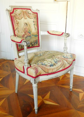 Pair of Louis XVI cabriolet armchairs - 18th century Aubusson tapestry -