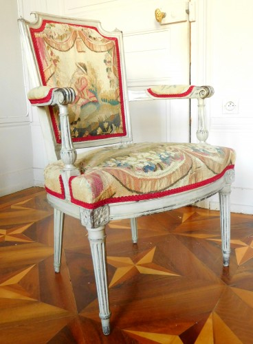Louis XVI - Pair of Louis XVI cabriolet armchairs - 18th century Aubusson tapestry