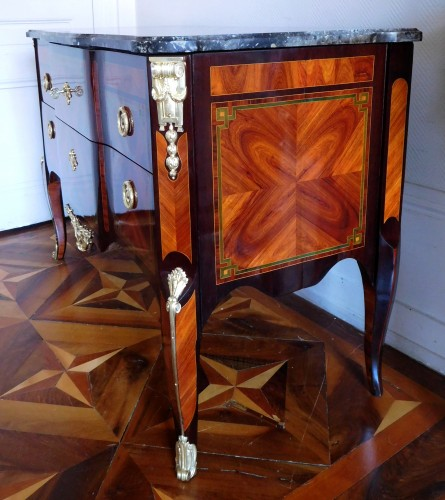 Antiquités - Transition Period Marquetry Commode, Circa 1775  - Stamped  Ohneberg