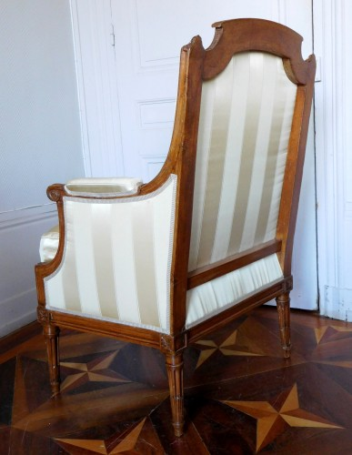 JBB Demay : large Louis XVI bergere, Tassinari & Chatel silk, 18th century -