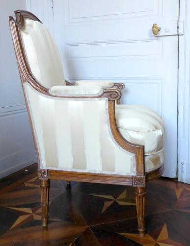 JBB Demay : large Louis XVI bergere, Tassinari & Chatel silk, 18th century - Louis XVI