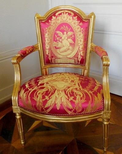 18th century - Louis XVI cabriolet armchair, gold leaf gilt - stamp of Mariette