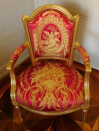 Louis XVI cabriolet armchair, gold leaf gilt - stamp of Mariette - Louis XVI