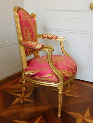 Antiquités - Louis XVI cabriolet armchair, gold leaf gilt - stamp of Mariette