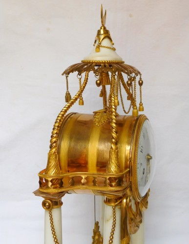 Pendule à La Turque d'époque Transition par Furet Horloger Du Roi - Transition