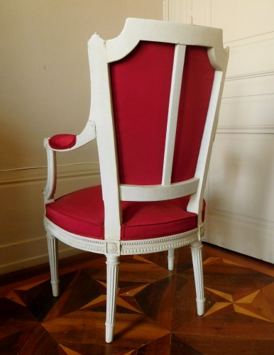 18th century - Henri Jacob - Louis XVI Cabriolet Armchair - Very Finely Carved And