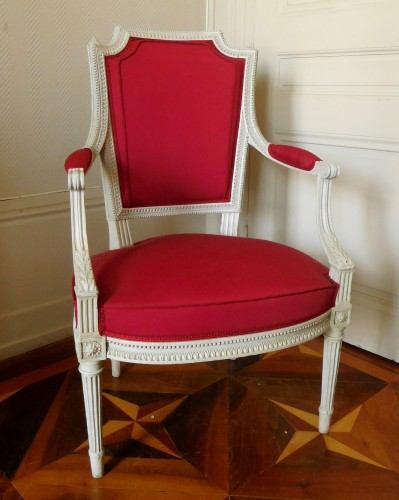 Louis XVI - Henri Jacob - Louis XVI Cabriolet Armchair - Very Finely Carved And