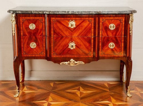 Royal commode from Fontainebleau castle, 1773 dated and stamped of Stumpff - Furniture Style Transition