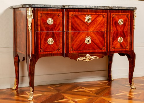 Furniture  - Royal commode from Fontainebleau castle, 1773 dated and stamped of Stumpff