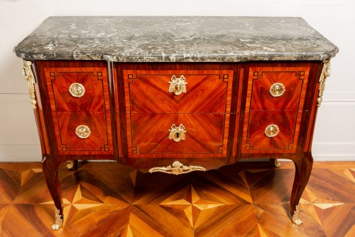 Royal commode from Fontainebleau castle, 1773 dated and stamped of Stumpff -