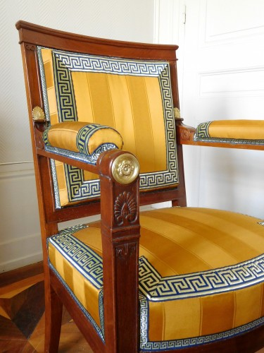 Antiquités - Empire period desk mahogany armchair