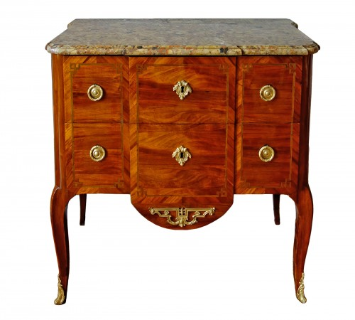 Commode sauteuse transition estampillée de Guillaume Kemp