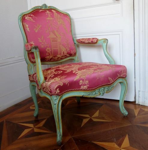 Pair of Louis XV armchairs à la Reine - Sylvain Blanchard stamp -