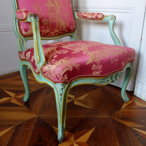 18th century - Pair of Louis XV armchairs à la Reine - Sylvain Blanchard stamp