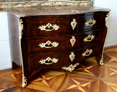 French Louis XV chest of drawers stamped by Mathieu CRIAERD - Furniture Style Louis XV