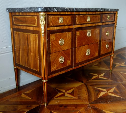 Louis XVI Marquetry commode - Stamp of Pascal  Coigniard -
