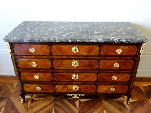 arge Louis XVI Commode  stamped Pierre Antoine Veaux - Furniture Style Transition