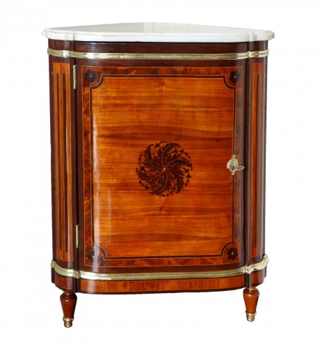 Louis XVI marquetry corner cabinet - stamped by Topino