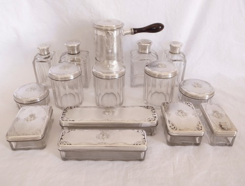 Antiquités - Aucoc - Travel / vanity set