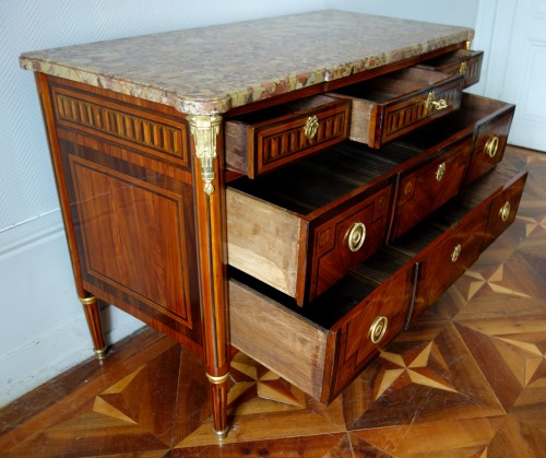 Antiquités - French Louis XVI commode