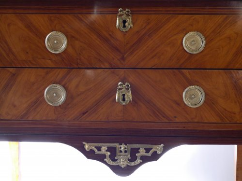 Furniture  - Commode sauteuse by Etienne Avril
