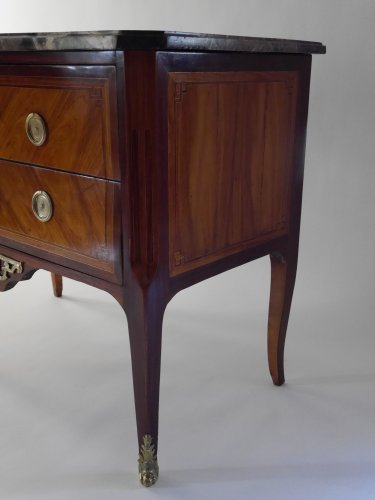 Commode sauteuse by Etienne Avril -