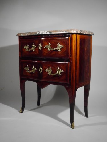 Small chest of drawers stamped G Schwingkens -
