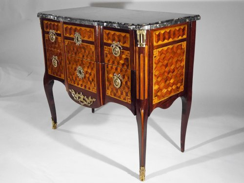 18th century - A Louis XV chest of drawers in the Transition style, stamped by G. Jansen