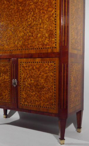 18th century - A Louis XVI writing desk, in end grain wood