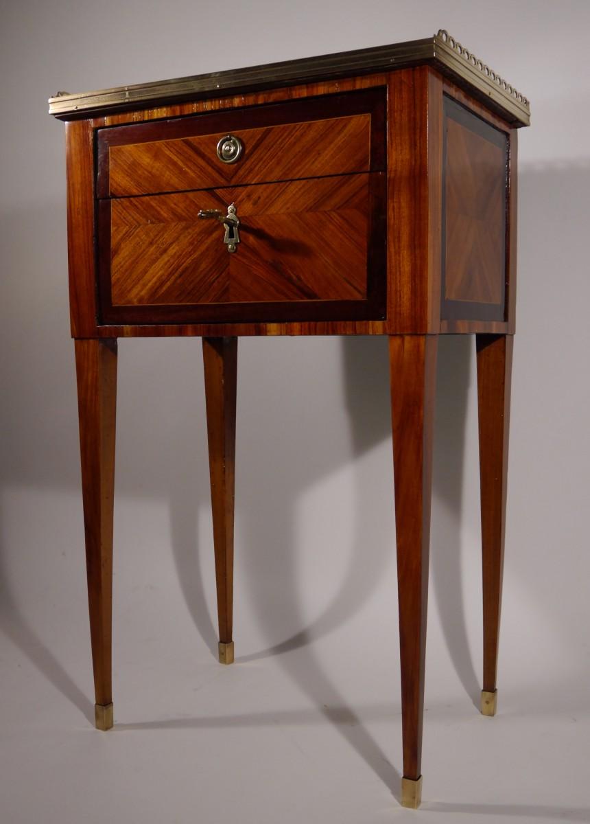 mobilier meuble dappoint travailleuse estampille f schey dpoque louis xvi