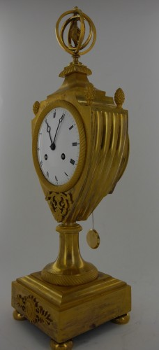 An Empire clock, eary 19th century -