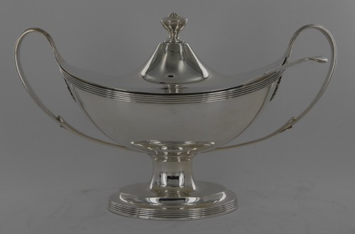 Sauceboat in silver, George III, end of the 18th century - Antique Silver Style Directoire