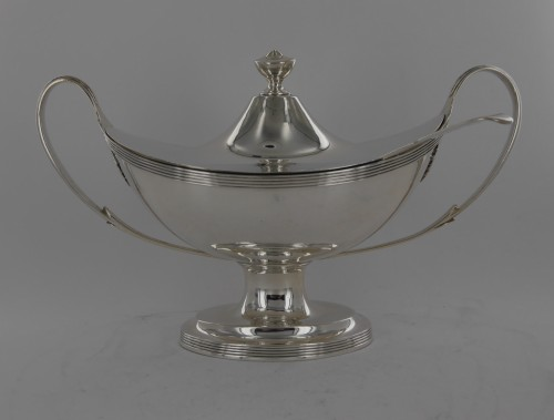 Antique Silver  - Sauceboat in silver, George III, end of the 18th century