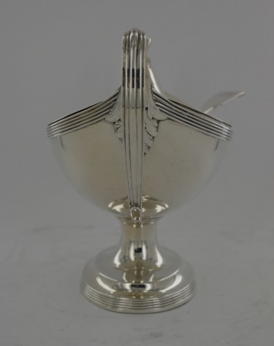 Directoire - Sauceboat in silver, George III, end of the 18th century