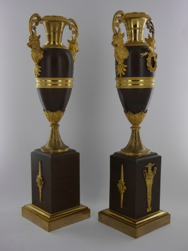 Decorative Objects  - Pair of Louis XVI - Directoire cassolettes, 18th century