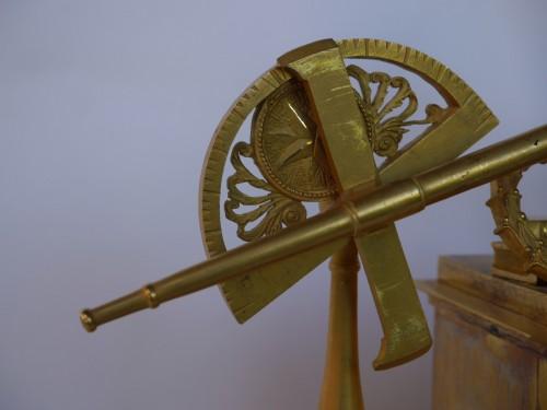 Mantel clock of astronomie around 1810-1820 -