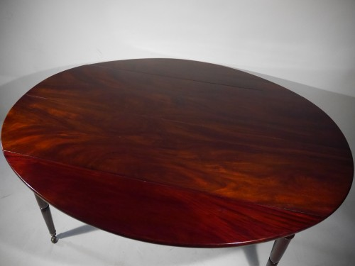 A lat 18th century Solid mahogany dining table - Directoire