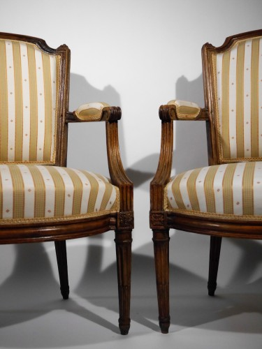 Pair of Louis XVI armchairs by P. Pluvinet, 18th century - Seating Style Louis XVI